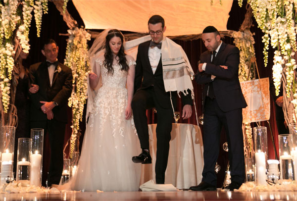 real-weddings-kleinfeld-paper